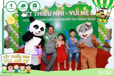 GrabKid-Tet-Thieu-Nhi-Vui-Me-Ly-Children-Day-Activation-instant-print-WefieBox-photo-booth-Vietnam-027