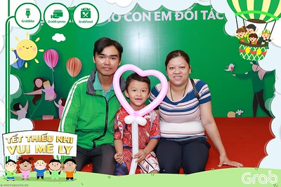 GrabKid-Tet-Thieu-Nhi-Vui-Me-Ly-Children-Day-Activation-instant-print-WefieBox-photo-booth-Vietnam-016