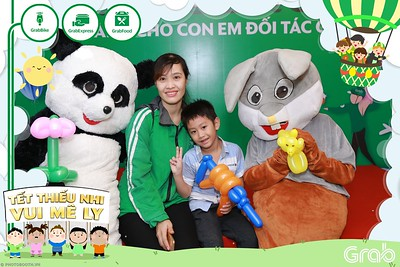 GrabKid-Tet-Thieu-Nhi-Vui-Me-Ly-Children-Day-Activation-instant-print-WefieBox-photo-booth-Vietnam-017