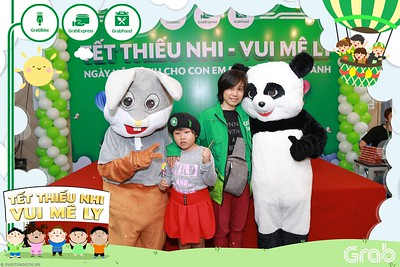 GrabKid-Tet-Thieu-Nhi-Vui-Me-Ly-Children-Day-Activation-instant-print-WefieBox-photo-booth-Vietnam-039