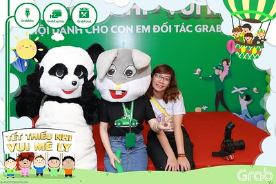 GrabKid-Tet-Thieu-Nhi-Vui-Me-Ly-Children-Day-Activation-instant-print-WefieBox-photo-booth-Vietnam-012