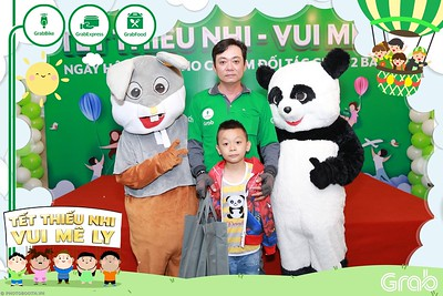 GrabKid-Tet-Thieu-Nhi-Vui-Me-Ly-Children-Day-Activation-instant-print-WefieBox-photo-booth-Vietnam-001