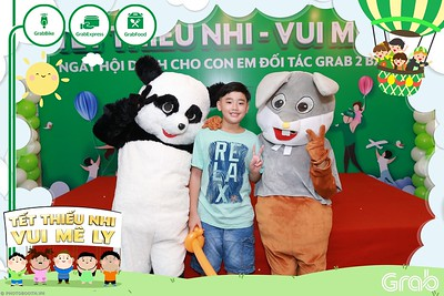 GrabKid-Tet-Thieu-Nhi-Vui-Me-Ly-Children-Day-Activation-instant-print-WefieBox-photo-booth-Vietnam-020