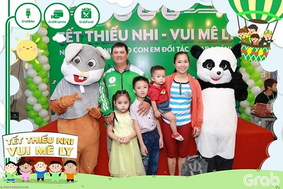 GrabKid-Tet-Thieu-Nhi-Vui-Me-Ly-Children-Day-Activation-instant-print-WefieBox-photo-booth-Vietnam-038