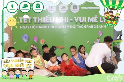 Grab-Hanoi-GrabKid-Children-Day-June-1-instant-print-photobooth-in-anh-lay-ngay-Quoc-te-Thieu-Nhi-2019-WefieBox-Photobooth-Hanoi-015