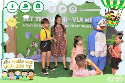 Grab-Hanoi-GrabKid-Children-Day-June-1-instant-print-photobooth-in-anh-lay-ngay-Quoc-te-Thieu-Nhi-2019-WefieBox-Photobooth-Hanoi-045