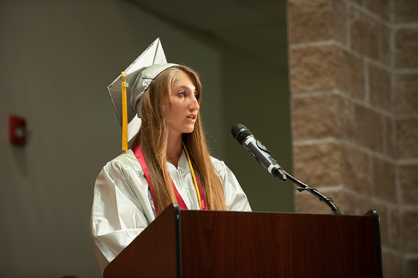 140627 JOED VIERA/STAFF PHOTOGRAPHER-Pendleton, NY-Starpoint Valedictorian Kelsey Jaynes delivers a speech at her graduation. June 27, 2014