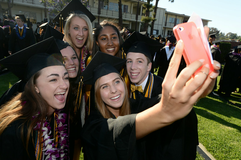 ". ""Tallulah Hansen takes a selfie with her friends, from left:  Natalie Edelstein, Emily Powell, Katie Holcomb, Alani Jack and Alexander Eisemann, right.