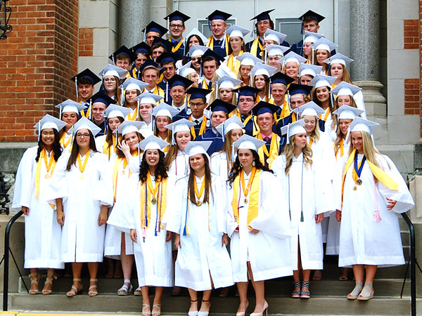 Diane Raver | The Herald-Tribune<br /> The Class of 2019 gathers for a class photo on the steps leading into the chapel.
