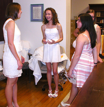 Diane Raver | The Herald-Tribune<br /> SENIORS are all smiles as they talk with classmates beforehand.