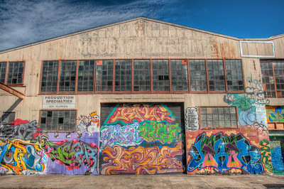 warehouse-graffiti
