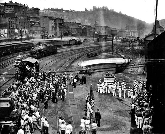 Crowd gathered at a ceremony at the B&O railroad yard in Grafton, W. Va.