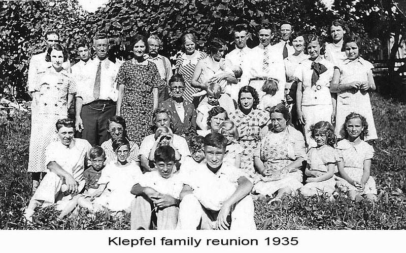 KlepfelFamilyReunion1935