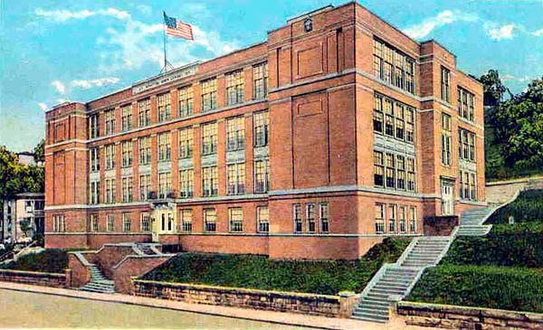 GraftonHighSchool1925