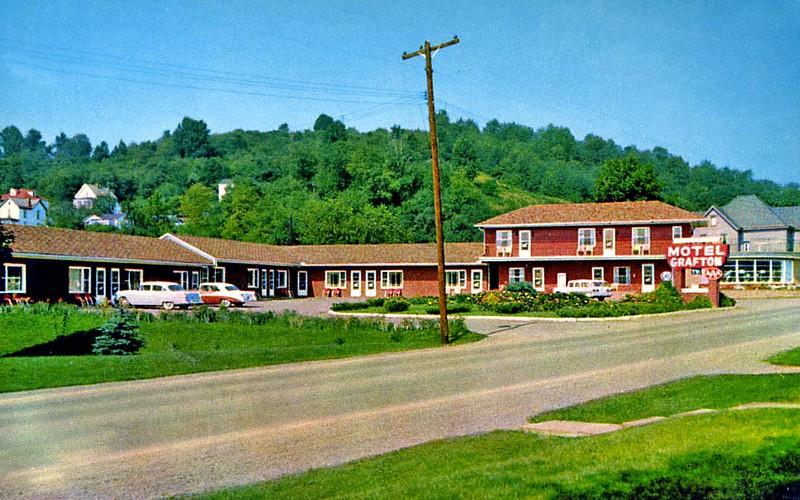 TaylorCoWV-MotelGrafton1950s-t2
