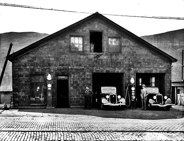 Gas Station, Grafton, W. Va.