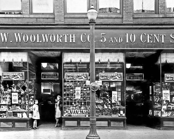 300-JWWoolworth5&10GraftonWV