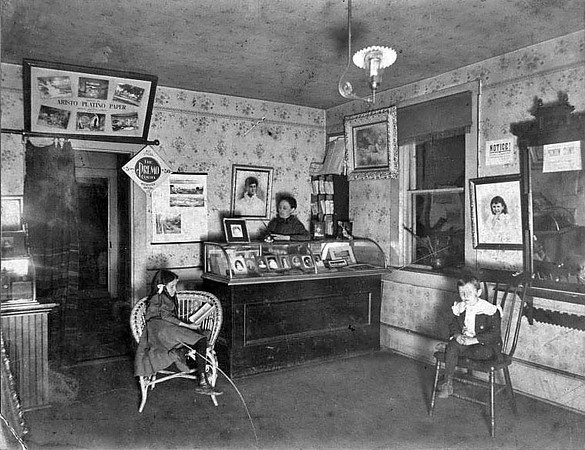 Loar Studio Reception Room, 2nd Floor, 1889 to 1902, Grafton, W. Va.