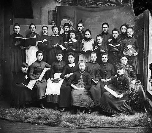WomensChoir-Grafton1890