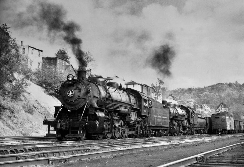 GraftonWV-B&OLocomotive4502LeavingGraftonYard1955-h2