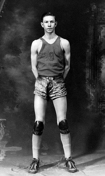 BasketballPlayerHebbGraftonWV1938