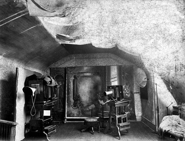 Loar Studio Camera Room 1889 to 1902, Grafton, W. Va.