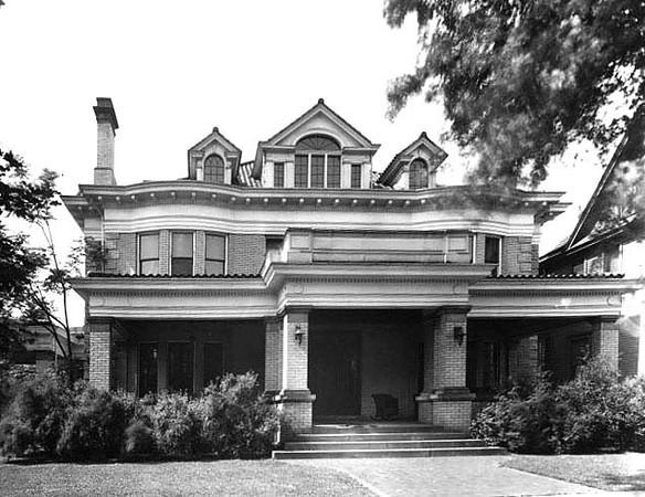 Bartlett Home on McGraw Avenue in Grafton, W. Va.