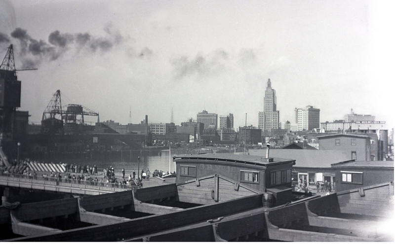 Mid to late 1920's:  Barges in Hartford, CT.