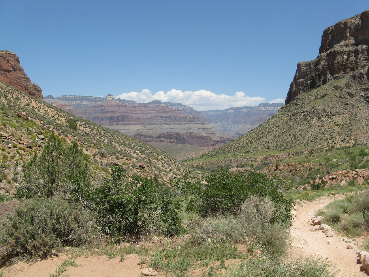 Looking back at the canyon from the Bright Angel Trail above Indian Garden.