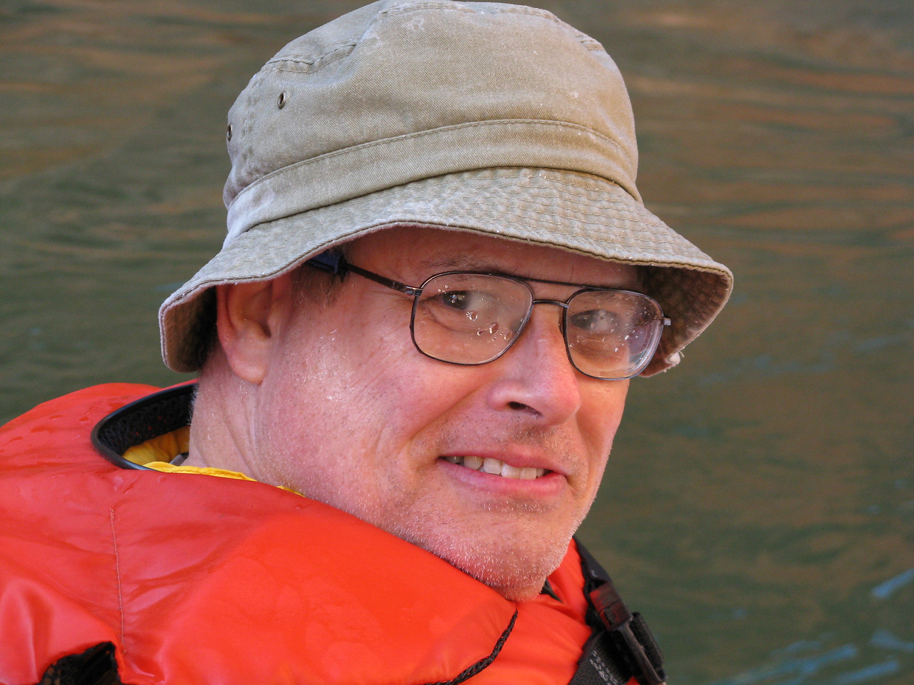 How do you tell a happy river runner?  By the water on his smiling face and glasses!  Wendell.