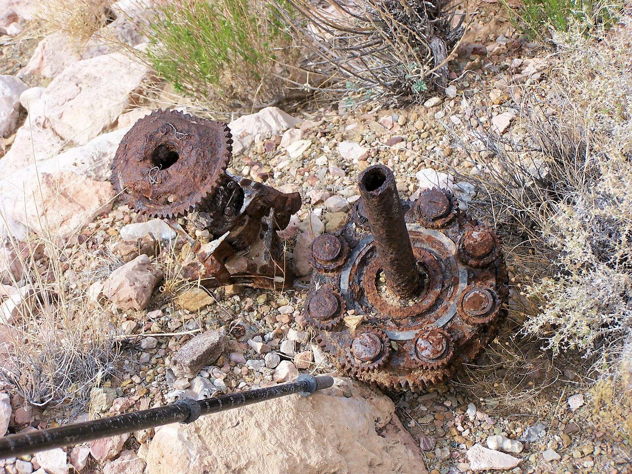 Portions of a planetary reduction gear from one the TWA Constellation's four Wright-Cyclone engines. (2006 LostFlights)