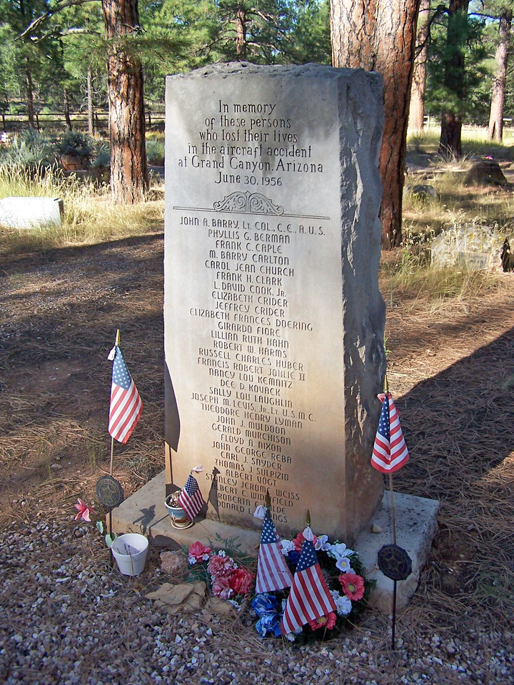 UNITED AIR LINES FLIGHT 718 MEMORIAL<br /> <br /> Mass grave for 31 unidentified UAL Flight 718 passengers and crew.<br /> This memorial/grave is located near the Shrine of the Ages on the South Rim.