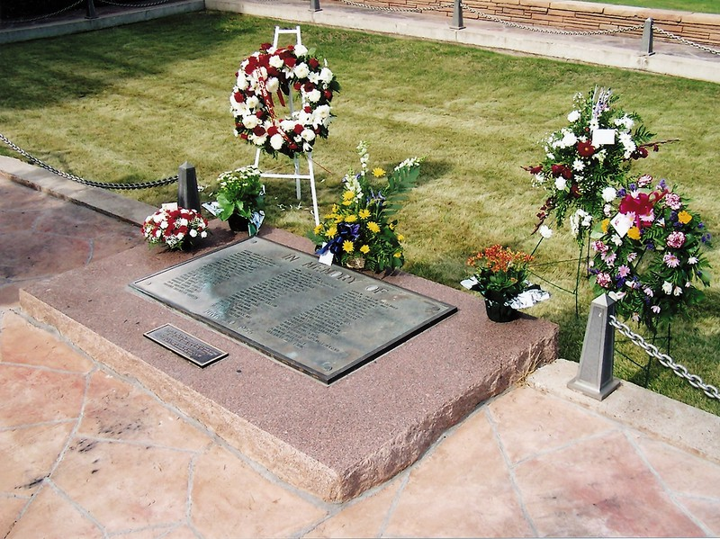PASSENGERS OF TWA FLIGHT 2:<br /> <br /> Mass Grave for 68 unidentified TWA Flight 2 passengers and crew located in Flagstaff, Arizona. Photo was taken June 30th 2006 on the 50th anniversary of the collision. (2006 LostFlights)