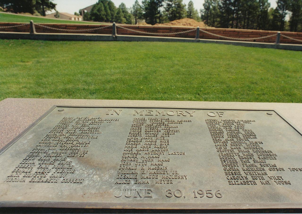 TWA Flight 2 mass grave marker located in Flagstaff, Arizona. (2002 LostFlights)