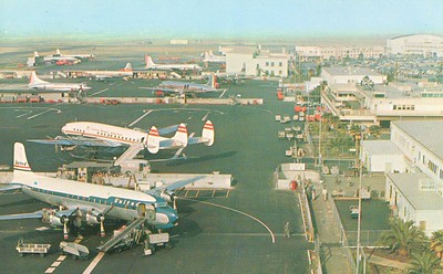 Los Angeles International Airport during the mid 1950s. Both United and TWA boarded passengers from the same ramp space.
