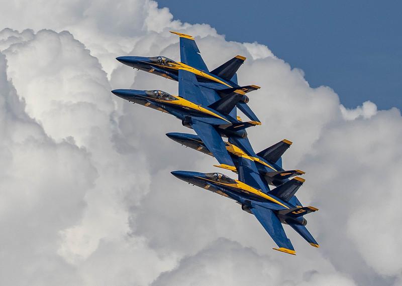 IMAGE: https://photos.smugmug.com/Grand-Junction-Airshow-2019/i-P4MxT3Z/0/a0a0a06b/L/Blue%20Angel%20Diamond-L.jpg