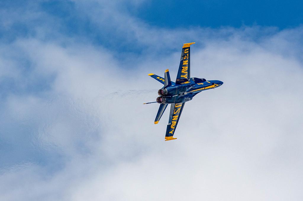 IMAGE: https://photos.smugmug.com/Grand-Junction-Airshow-2019/i-ZzwPFNv/0/da263a92/XL/Blue%20Angel%20hard%20left-XL.jpg