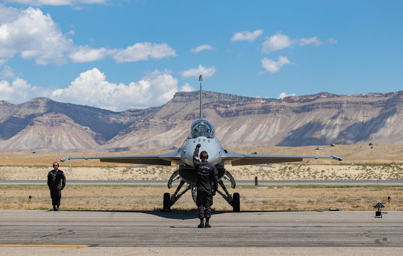 IMAGE: https://photos.smugmug.com/Grand-Junction-Airshow-2019/i-w4ThKhL/0/7d7e8d9c/L/Viper%20demo%20team%20startup-L.jpg