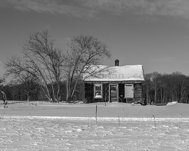 Abandoned home on M-77