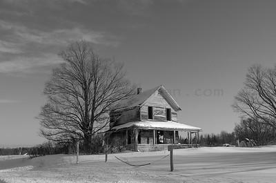 Abandoned home II on M-77