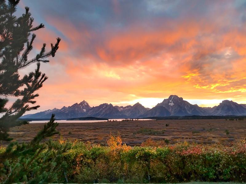 Sunset Jackson Lake - Tetons