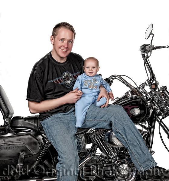 001c Matthew Roy Nicol & Family Easter 2009 (smokin hot detal)