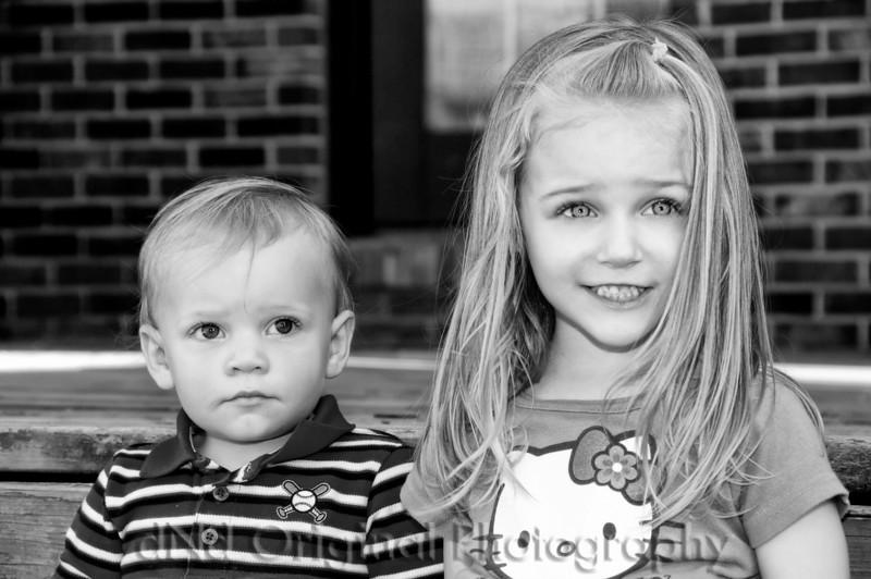 053 Easter April 2010 Matt & Ami - Cooper Brielle (b&w)