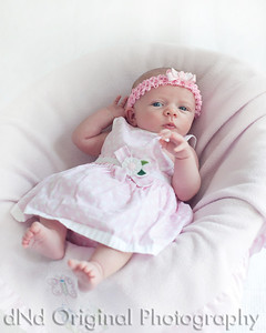 04 Faith - 5 weeks old (8x10)