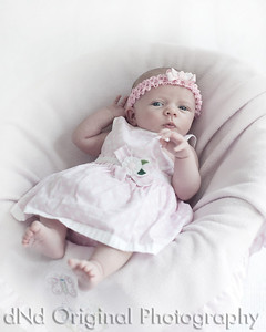 04 Faith - 5 weeks old (8x10) halfdesat