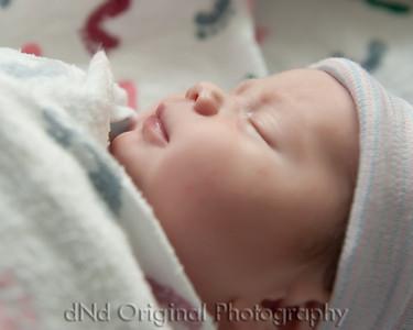 09 Kaelan Newborn (10x8)