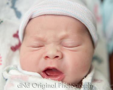 13 Kaelan Newborn (10x8)