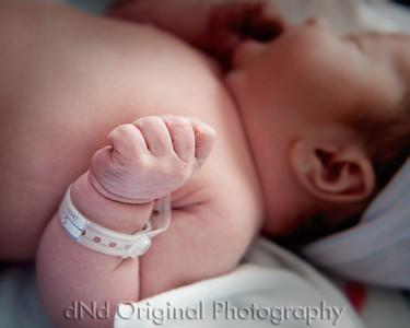 32 Kaelan Newborn (10x8)