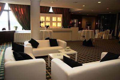 Tappenbeck Foyer; Lounge setting; Lounge; White bar; Witte bar;