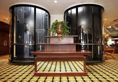 Tappenbeck Foyer; Lift; Elevator;